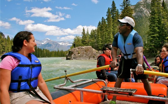 Rafting the Bow in Banff, AB / photo by toque & canoe